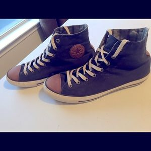 Black and Beige Men Converse